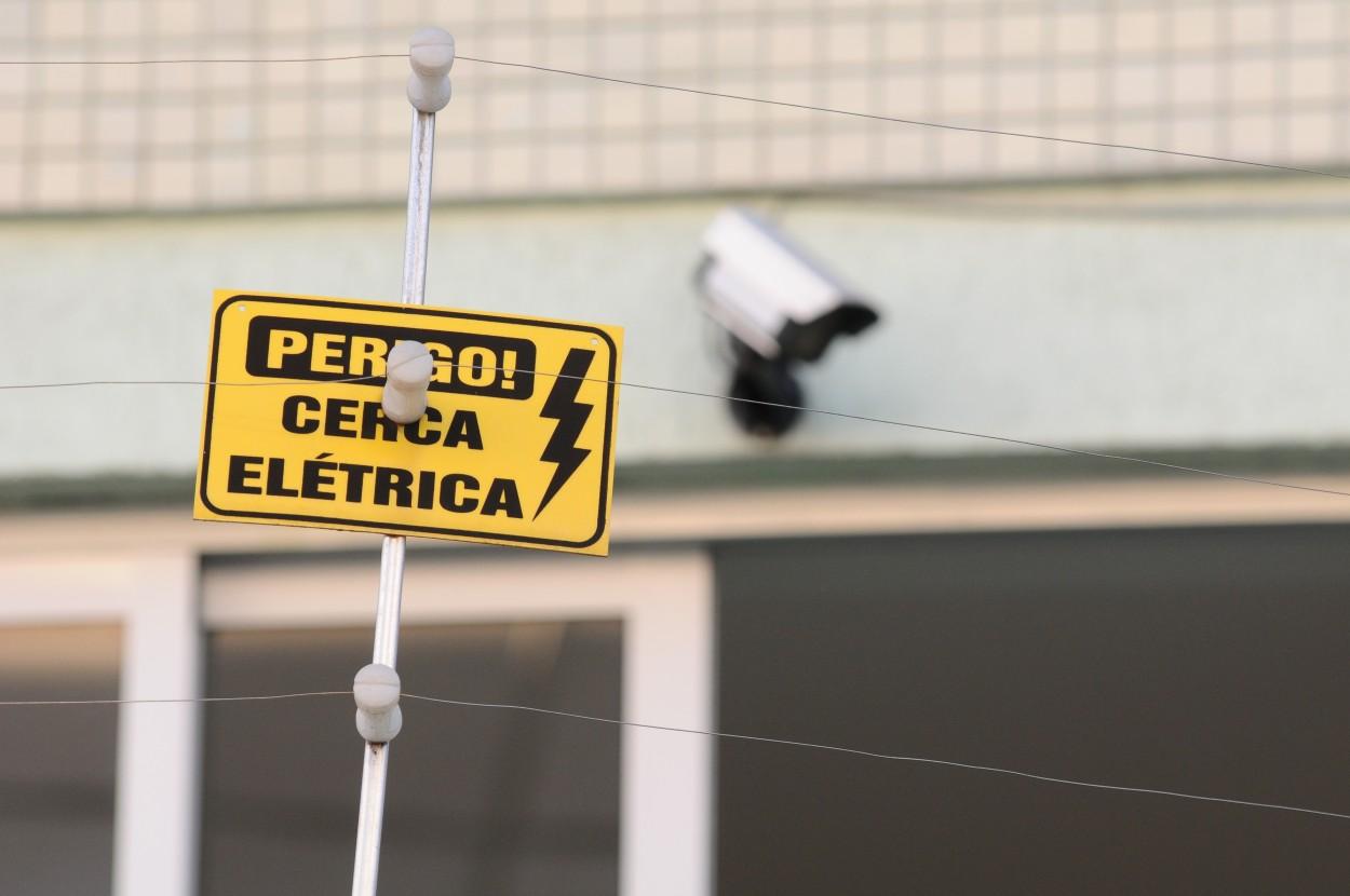 Como funciona a cerca elétrica residencial